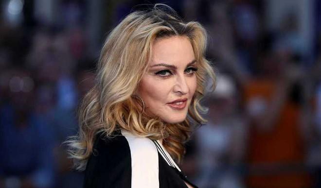 Madonna- Billboard's Woman Of The Yr