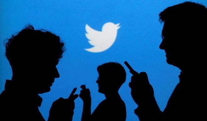 Jiya Tomar's Social Media Rules