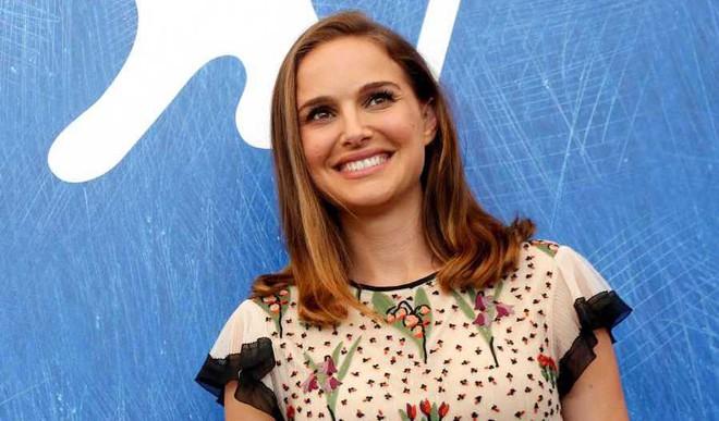 Natalie Portman's Etiquette Struggles