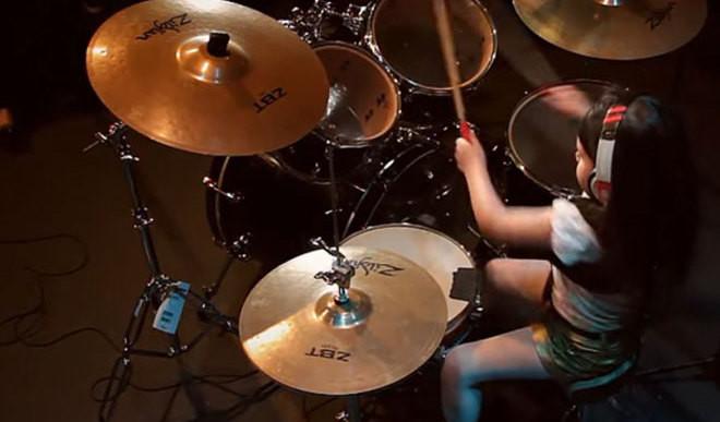 Six-Year-Old Drumming Sensation