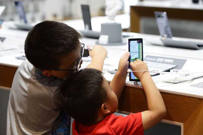 Diya: Excessive Smartphone Usage Leads To Stress