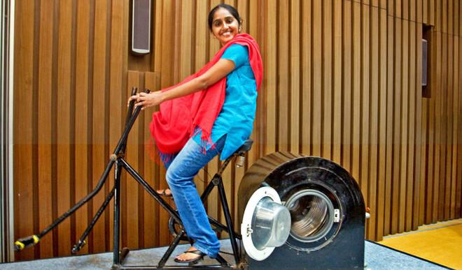 14YO's Washing Machine  Needs No Power
