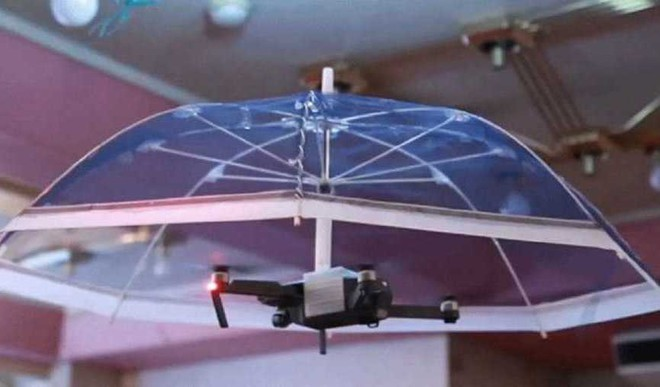 Japan 'Drone-Brella' Offers Hands-free Cover