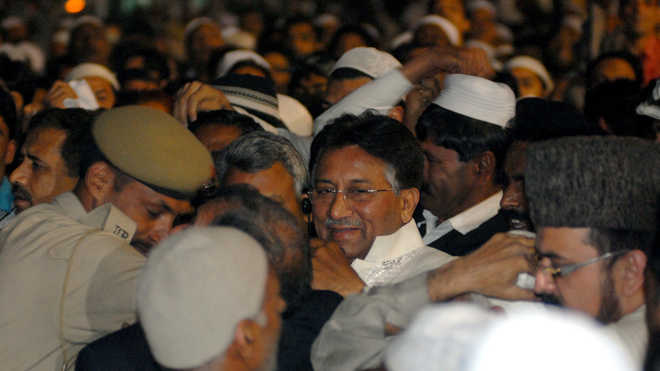 Musharraf Sentenced To Death in High Treason Case