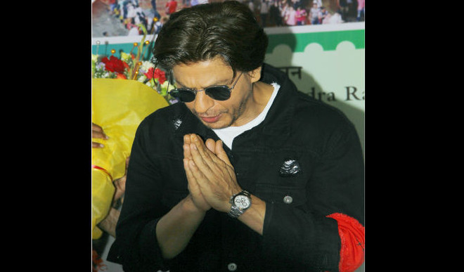 SRK Urges Fans To Follow Traffic Rules