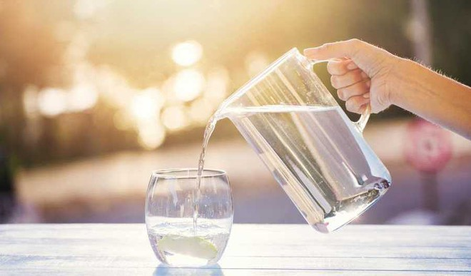 Everyone's Goal In 2020 Is To Drink More Water